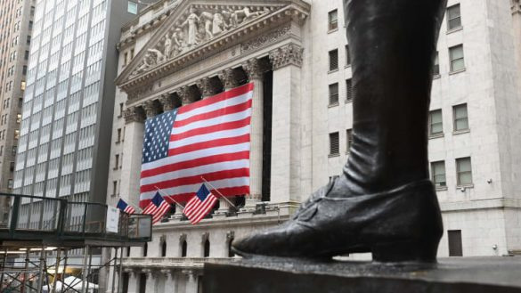 تصویر پرچم آمریکا و بازار های بین المللی